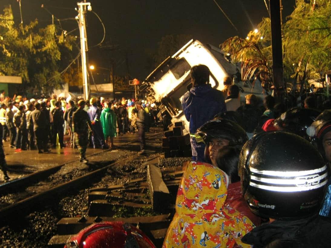 Tragedi di Rel Kereta Bintaro, Kenapa Selalu Terjadi ?